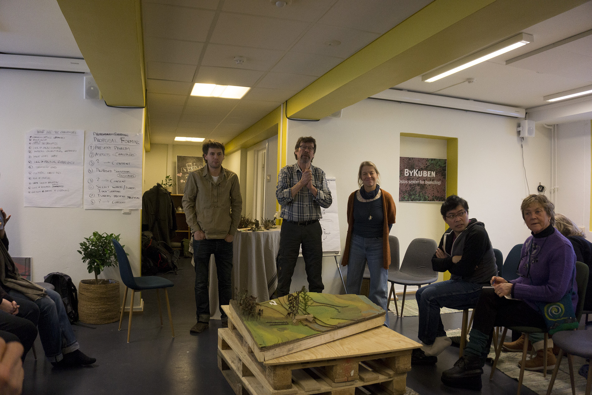 Jona Elfdahl presenting his Diploma work